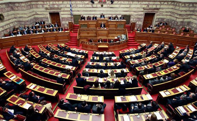 Зеленый свет дал парламент Греции на восстановление запущенных дорожных работ