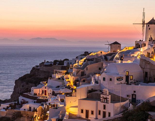 Закат солнца на острове Санторини - в коллекции National Geographic