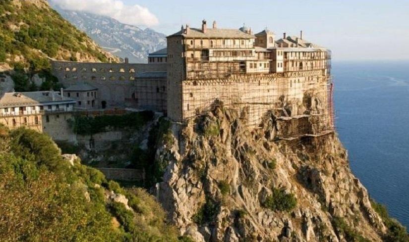 В Киеве прошла выставка картин с видами монастырей Святой Горы