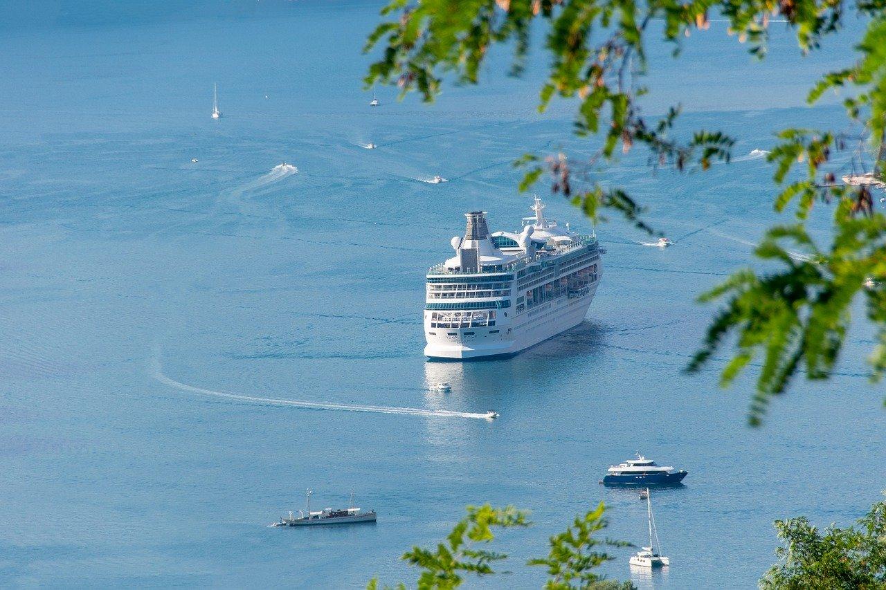 Нова стратегія і реновації грецьких портів