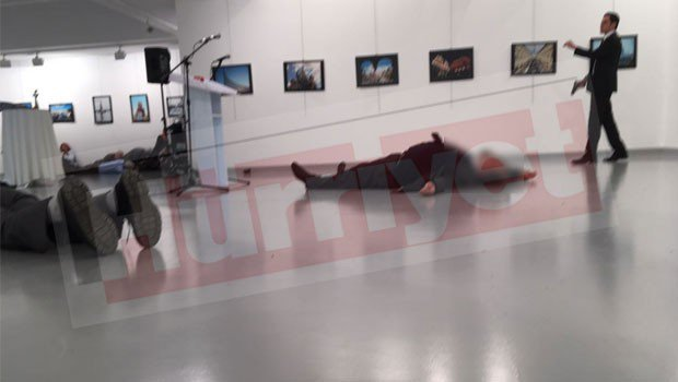 Νεκρός ο Ρώσος πρέσβης στην Άγκυρα από επίθεση ενόπλου