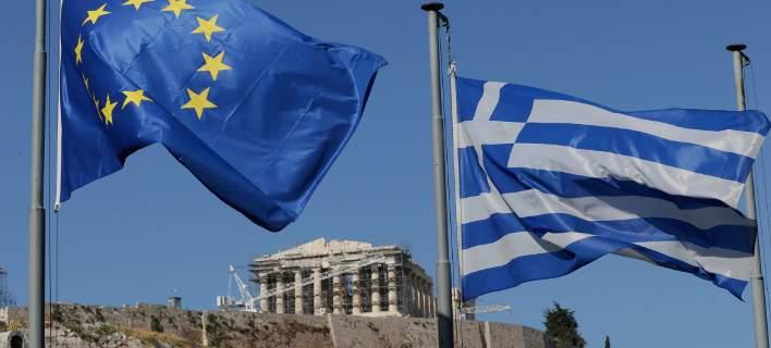 FT: Η ΕΚΤ πιέζει την Γερμανία για τολμηρή ελάφρυνση του ελληνικού χρέους