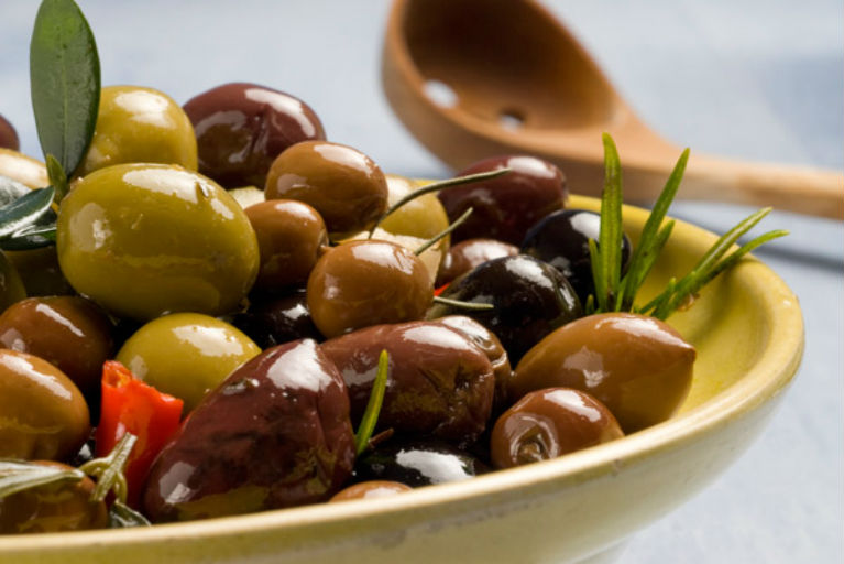 Оливки та оливкова олія
