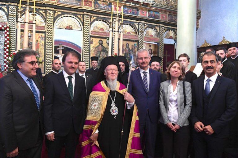 Συγκίνηση για την επαναλειτουργία του ναού του Αγίου Γεωργίου στην Κωνσταντινούπολη