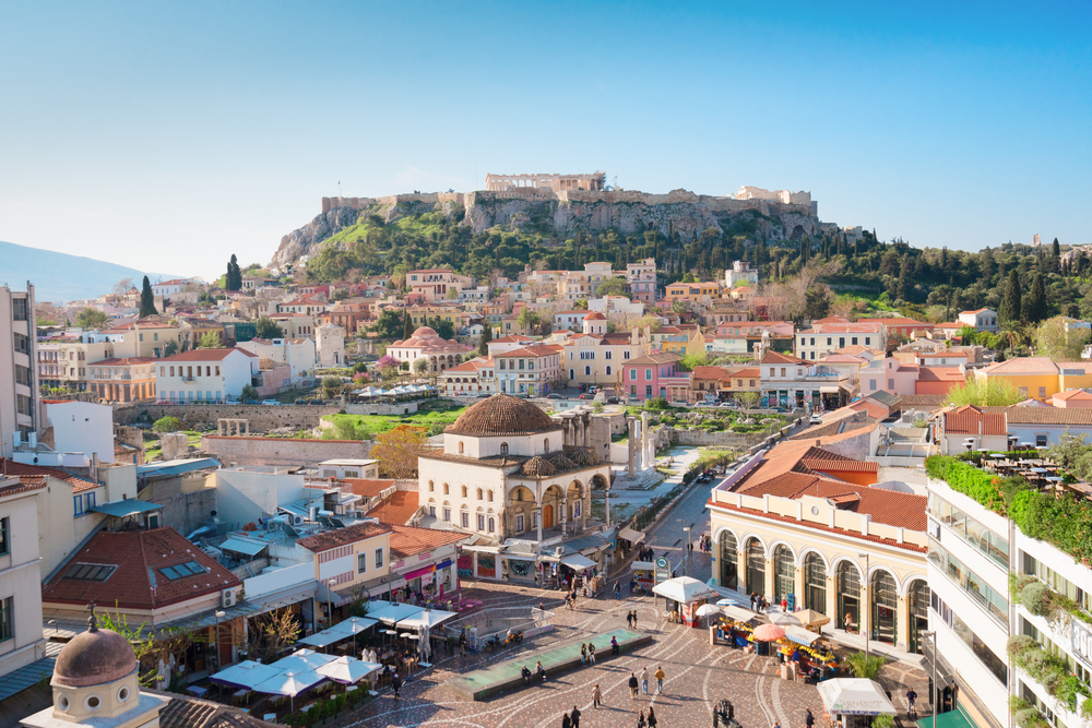 The Chinese began to hunt for Athenian real estate