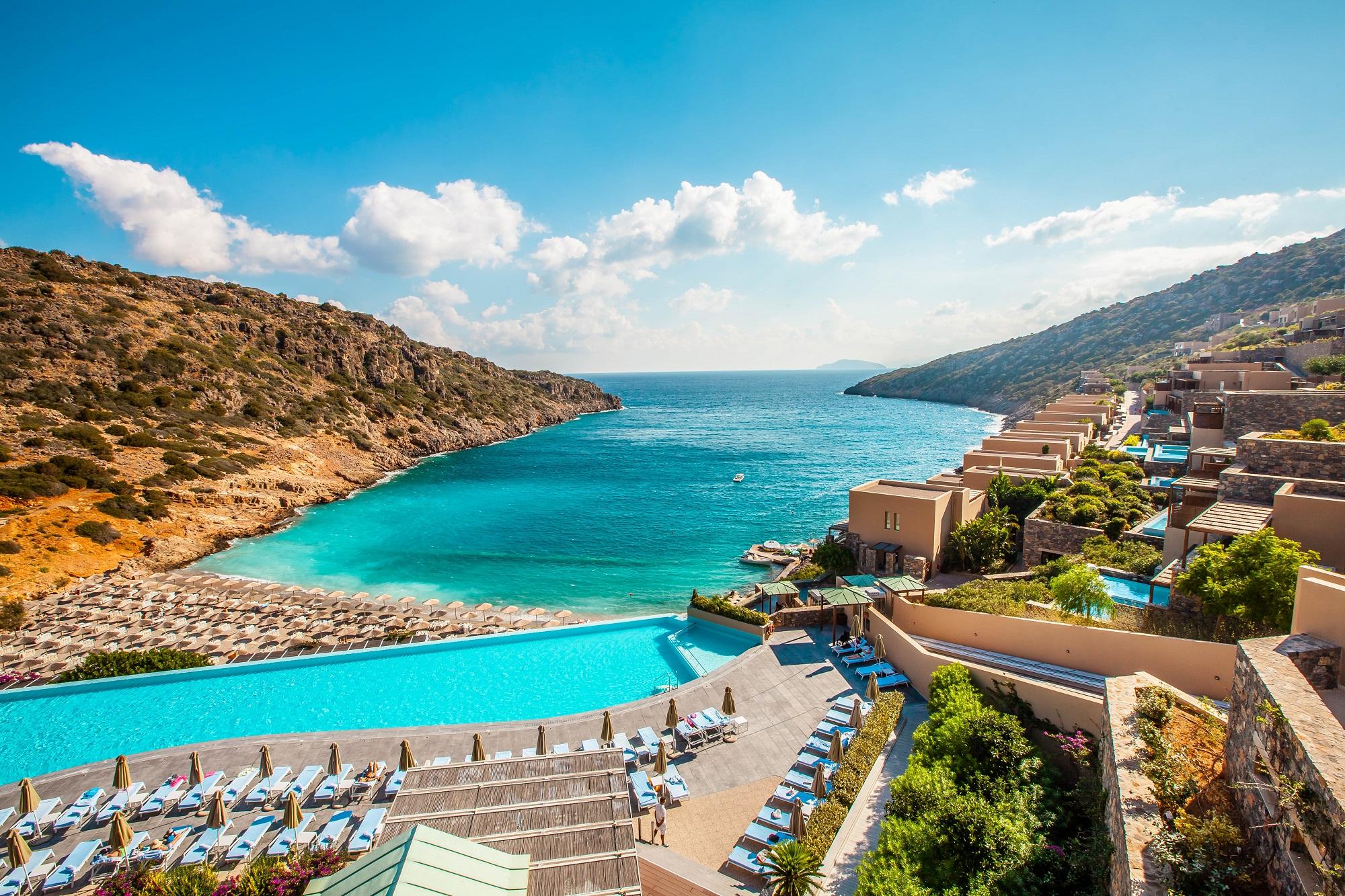 Yunanistan turizm sezonuna hazırlanıyor. Sınırlar 14 Mayıs'ta açılacak mı?