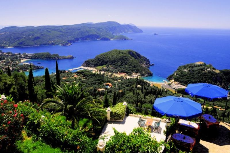 На Корфу і Санторіні одні з найбільш розслаблюючих пляжів