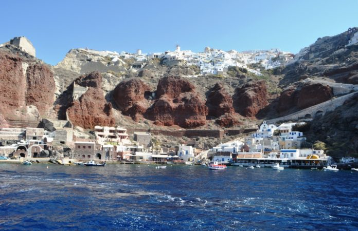 Top 5 Greek Investment Ideas for Santorini Holiday Businesses