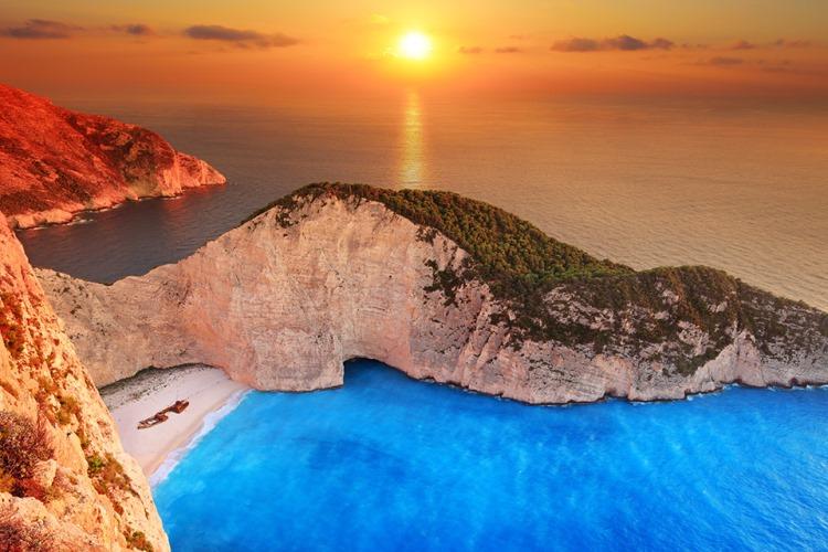 Закинф-остров в Ионическом  море
