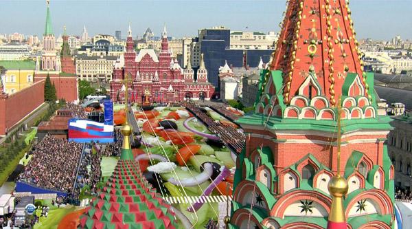 На Красной площади приготовили 20 тонн греческого салата