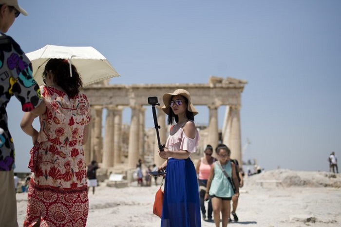 Heatwave in Greece Closes the Acropolis