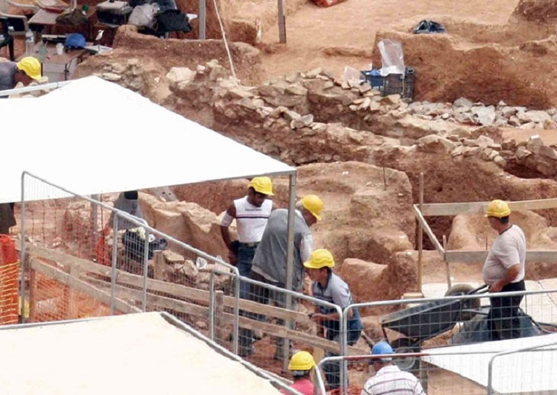 Метрополитен Салоник дарит стране очередную археологическую находку