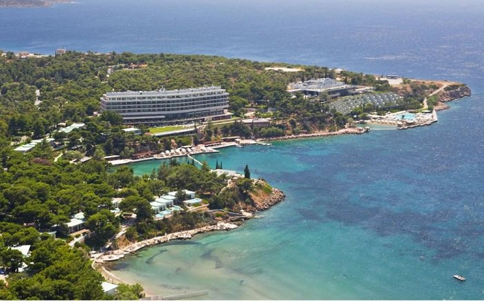 "Astir Palace Hotel Becomes First ""Four Seasons"" in Greece"