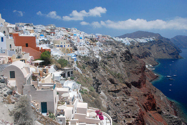 'Santorini Experience' Brings Sports and Tourism to Santorini