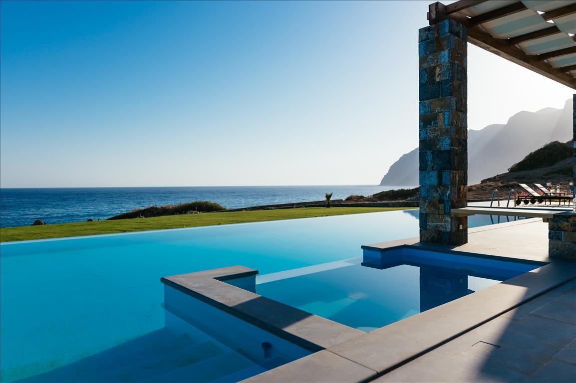 Тур в Грецию за недвижимостью мечты за 1 евро!