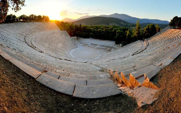 Die Gründung der Internationalen Theater-Sommerschule von Epidaurus angekündigt
