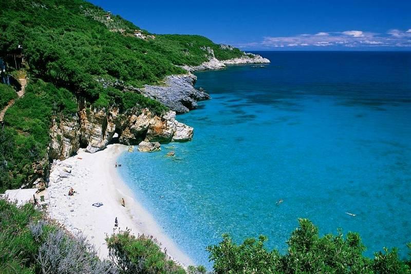 Пляж Милопотамос - один из самых известных и красивых в Греции