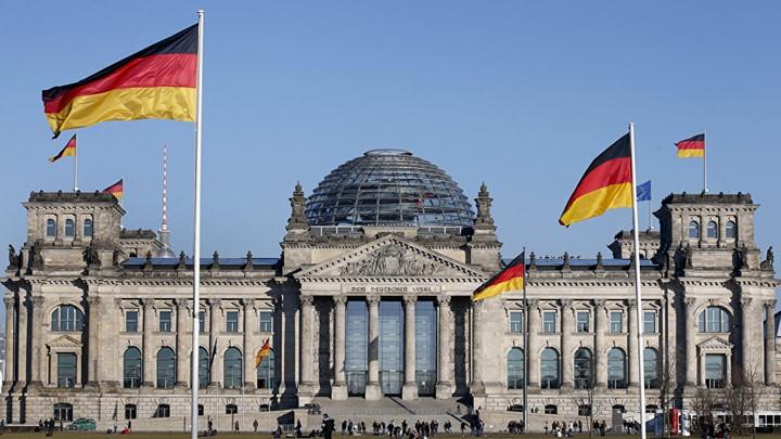Bild: Η Γερμανία προτίθεται να επιστρέψει στην Ελλάδα εκατοντάδες εκατομμύρια ευρώ