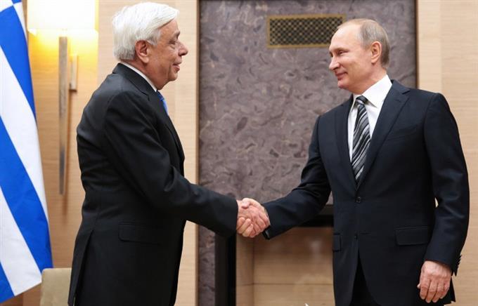 Греция будет рада принять президента России Владимира Путина в Афинах.