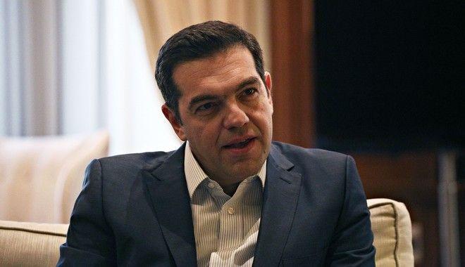 Τσίπρας στη WSJ: Ήρθε η ώρα να δοθεί στην Ελλάδα χώρος να αναπτυχθεί