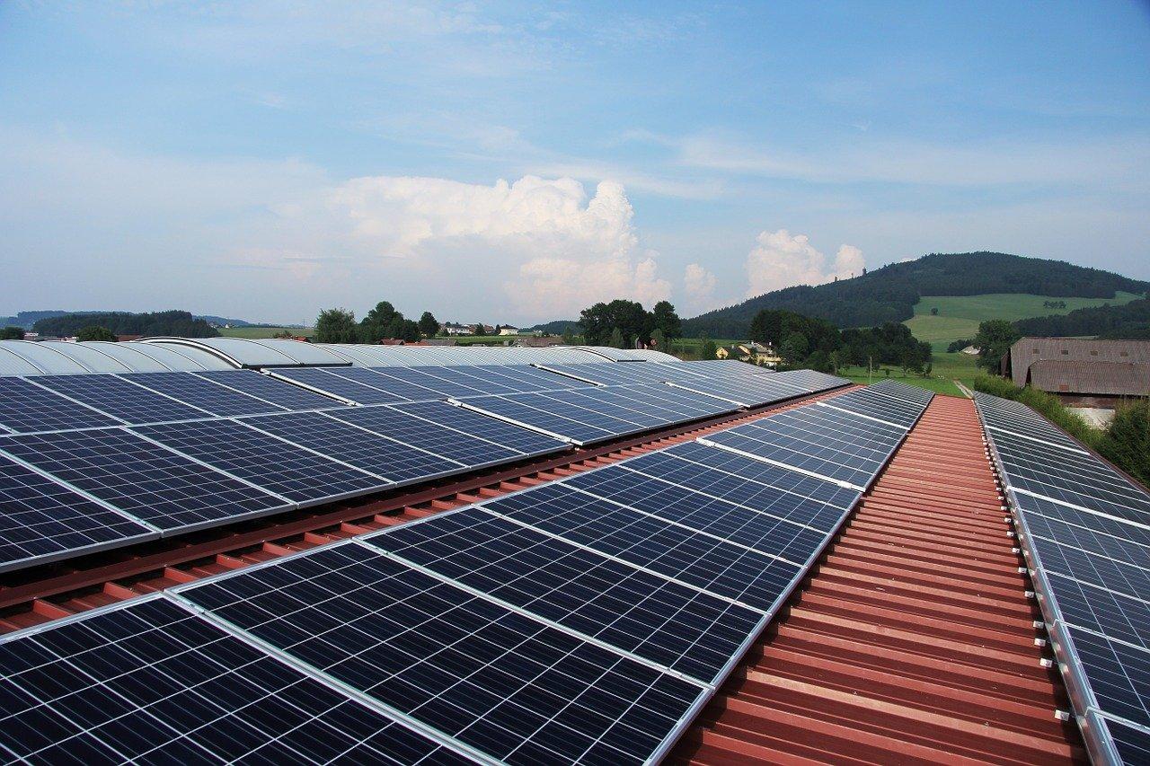 Европейский фонд дает грант на «солнечные крыши» на Кипре