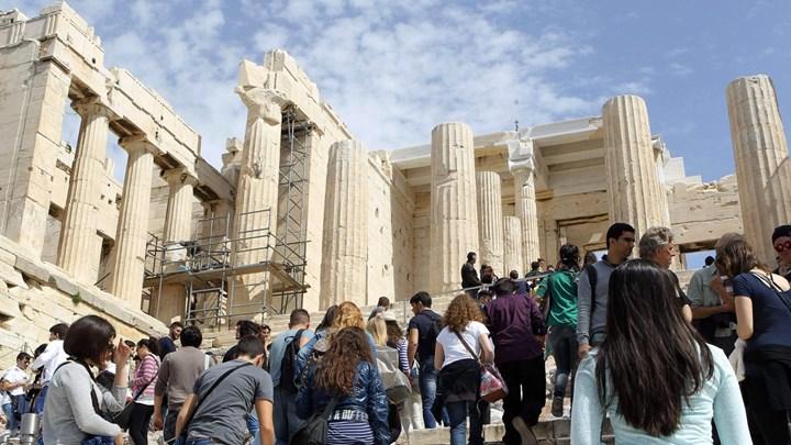Πώς βαθμολογούν την Αθήνα οι τουρίστες