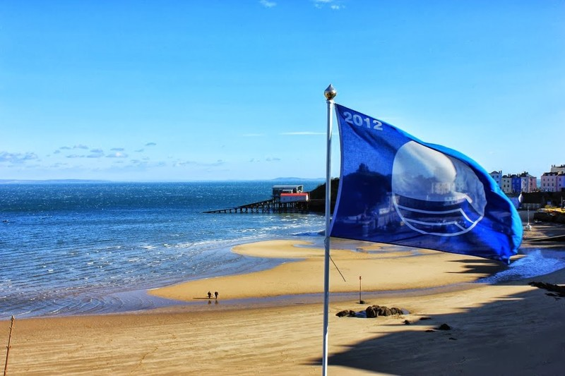 Грецькі пляжі відзначені другим місцем за кількістю блакитних прапорів.