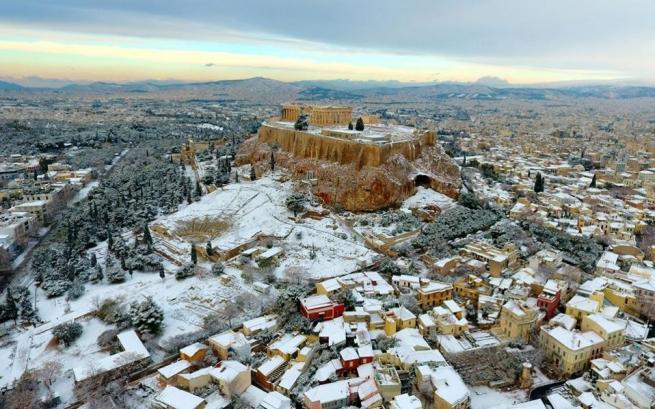 Афіни в снігу