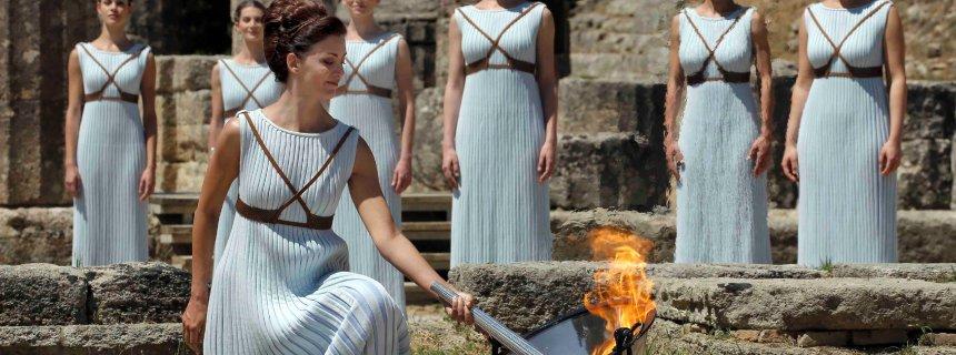 Olympisches Feuer entzündet