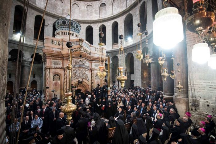 Patriarch Bartholomäos und griechischer Premier bei der Wiedereröffnung der Grabeskirche