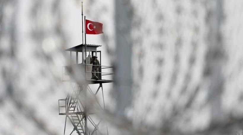 Spiegel: «Ολοένα περισσότεροι Τούρκοι ζητούν άσυλο στην Ελλάδα»