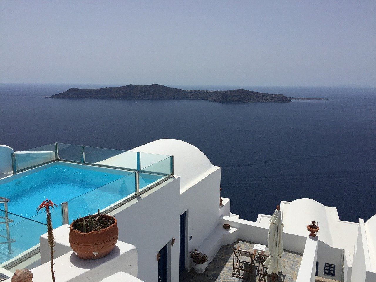 Rules and health protocols for hotels and airport flights to Greece as one of the most suitable destinations for this year's summer!