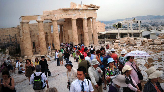 Officials Planning WiFi for 20 Popular Archaeological Sites and Museums in Greece