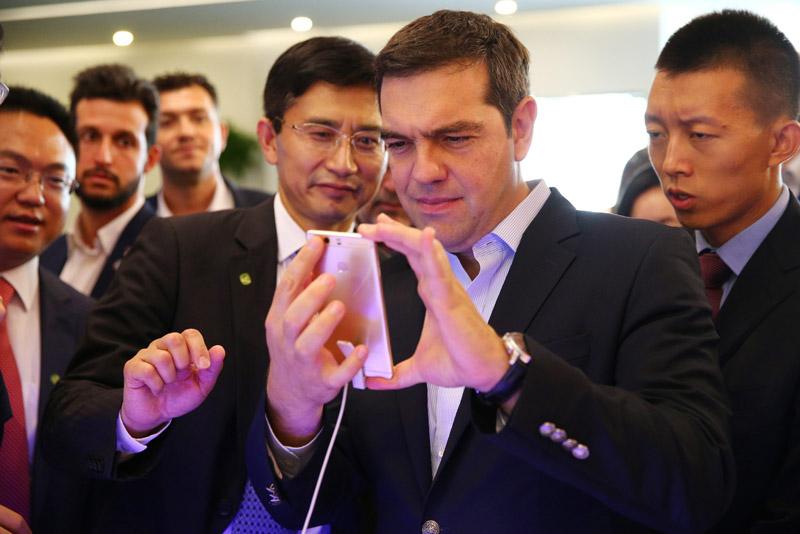Στην έδρα του τεχνολογικού κολοσσού Huawei ο Τσίπρας
