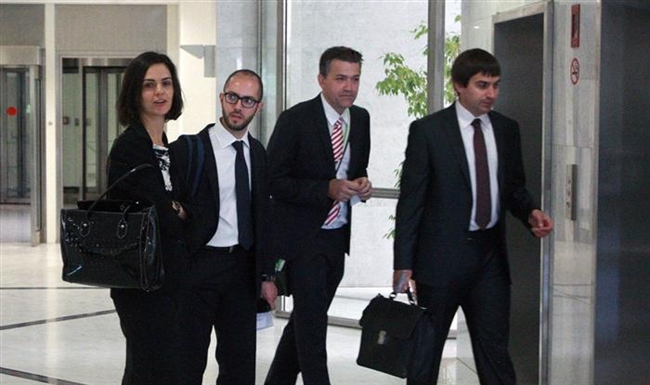 Institutions Present Draft Agreement to Athens as Negotiations Continue