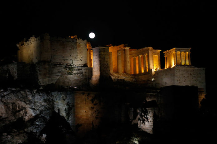 Starstruck: Full Moon Fever Hits Greece