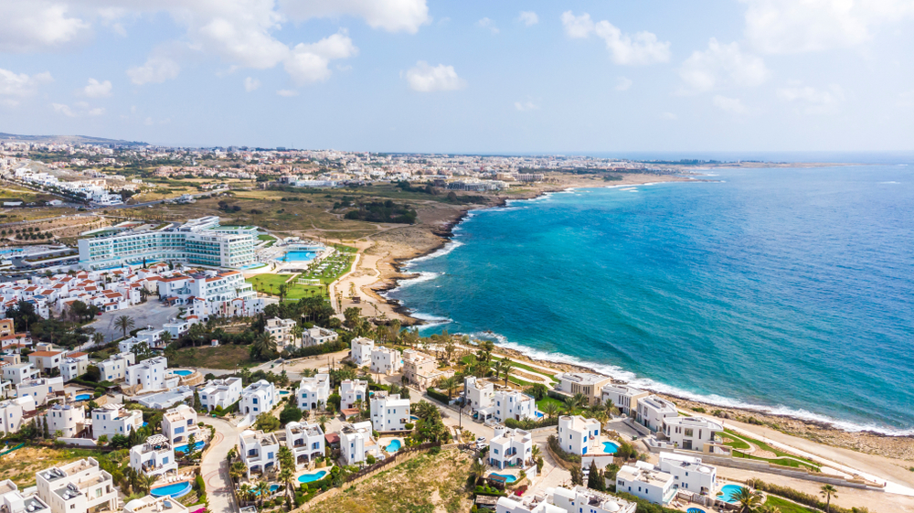 Cyprus: the improvement of Paphos and the opening of the Mythos Park