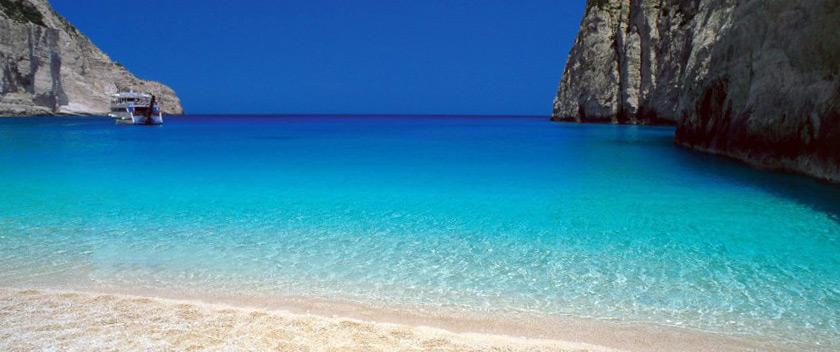 Στις κορυφαίες χώρες του κόσμου η Ελλάδα: σε εξαιρετική κατάσταση για κολύμβηση πάνω από το 97% των υδάτων της