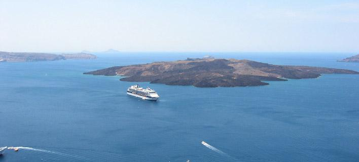 'Abyss' Scans and Reveals the Secrets of Santorini and Kolumbo Volcanoes