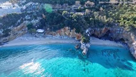 Пляж Мілопотамос - один з найвідоміших і найкрасивіших в Греції