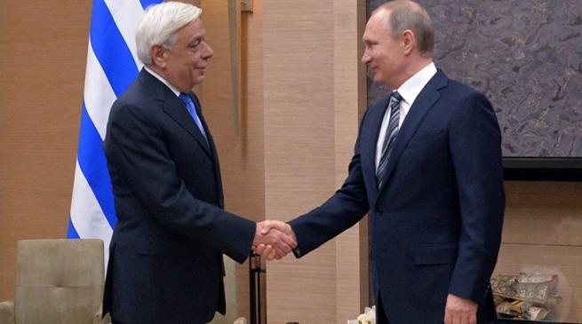 Президент Греции поздравил Путина с победой на выборах