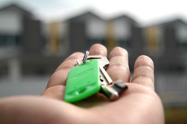 Immobilienmakler helfen Ihnen bei der Vermietung oder Vermietung der Immobilie in Griechenland und Zypern