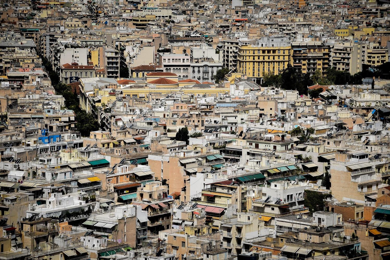 Πώς οι Κινέζοι «εκτόξευσαν» τις τιμές των ακινήτων στην Αθήνα