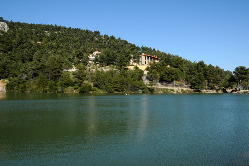 Idyllic Lake only 30 km from the Heart of Athens