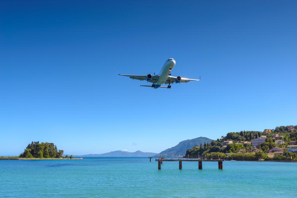 AirBaltic запускает чартерные рейсы на Корфу