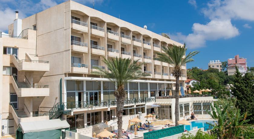 Гостиница на Кипре